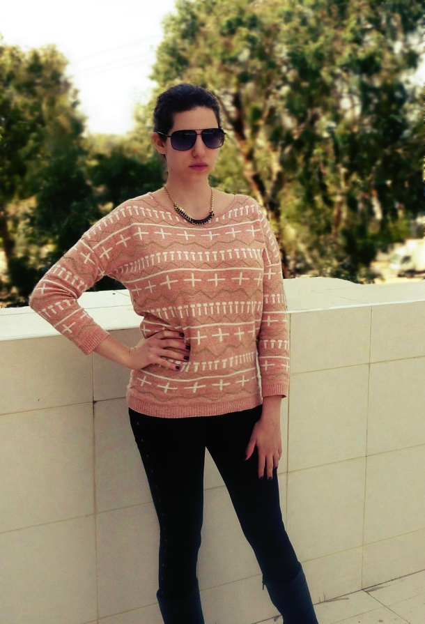 Bullchic- Peach cross psttern sweater