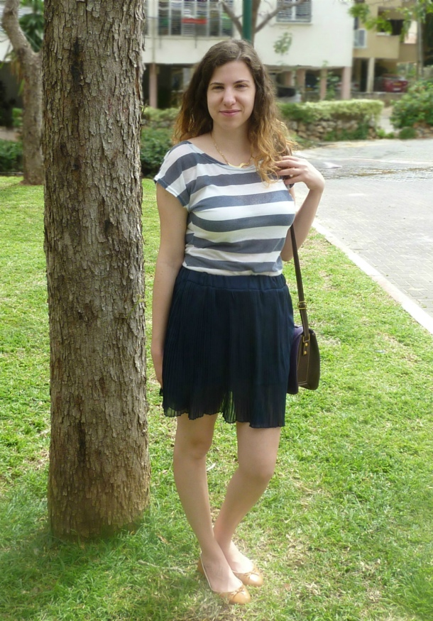 blue pleated skirt and sailor striped top1