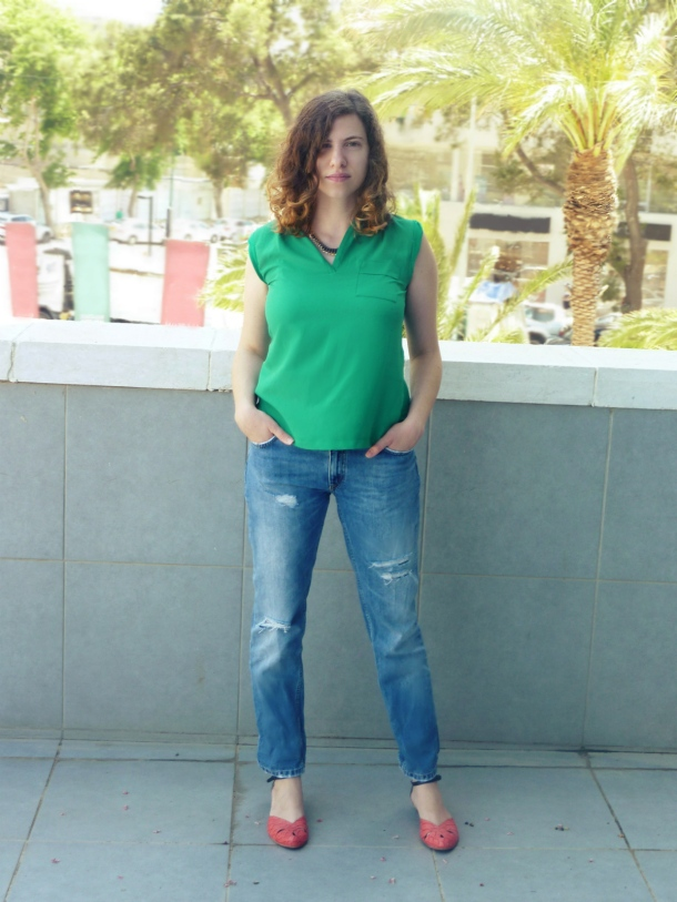Boyfriend jeans and Mango green top